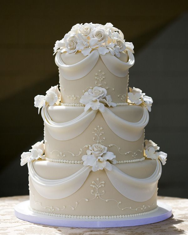 the latest wedding cake designs wedding cake montreal 17 boutique gourmande 20867