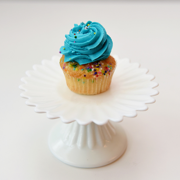 Birthday Cake Cupcakes Cupcakes Cakes Delivery Pickup In Montreal